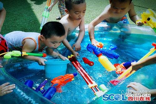船山区天宫庙幼儿园玩水游戏还孩子童年真滋味